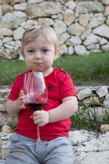 Un buon bicchiere di vino rosso.
