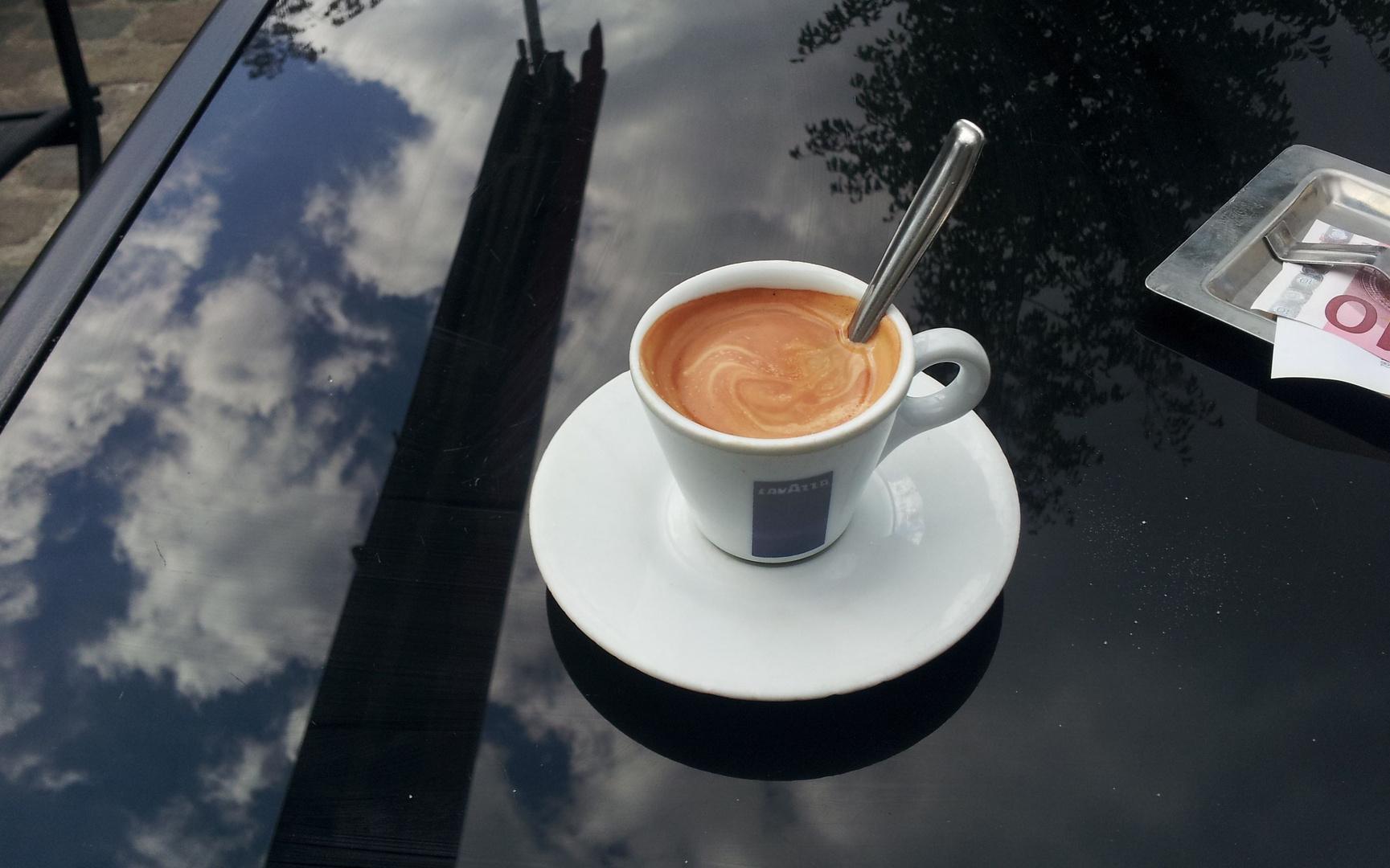 UN CAFÉ ET L'ADDICTION...