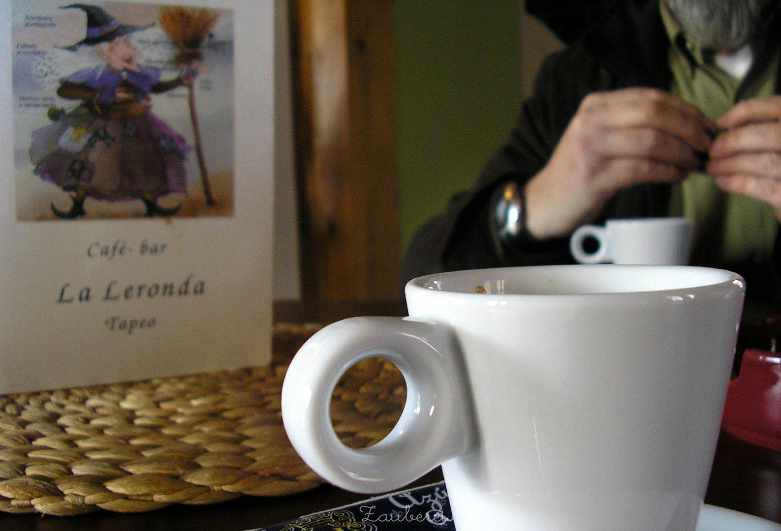 Un café en la brujería.-