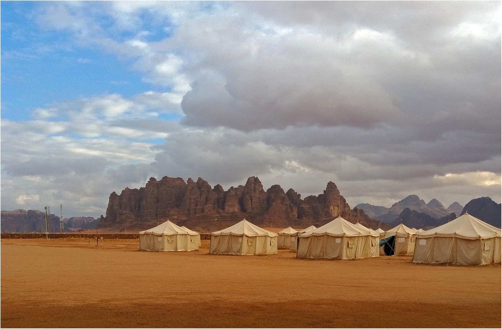 Un camp de tentes à Wadi Rum