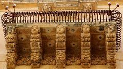 ....un caratteristico balcone Barocco a Noto