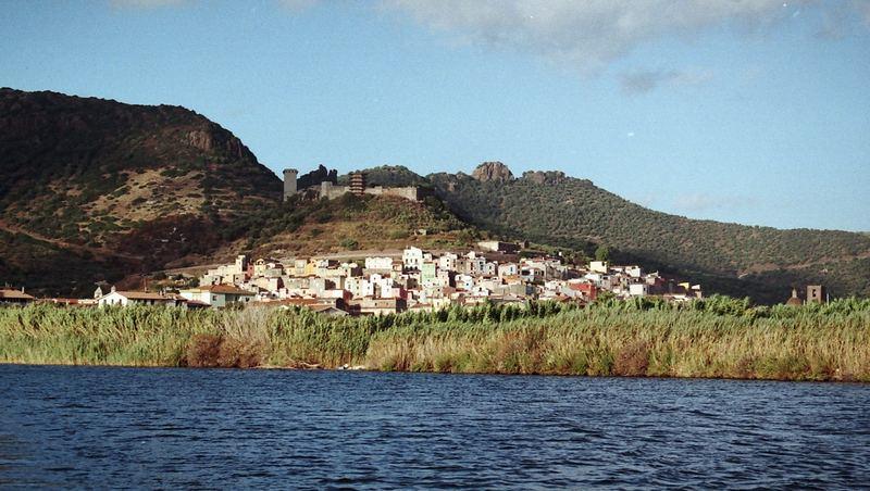 Un castello sul fiume