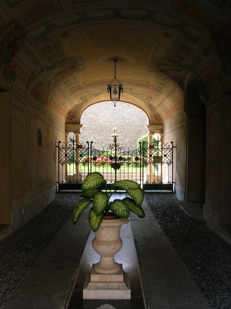 Un ingresso elegante
