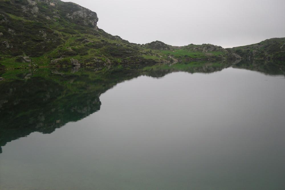 un miroir dans la montagne