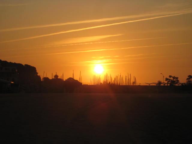 Un nuevo amanecer junto al mar. Arenys de mar.
