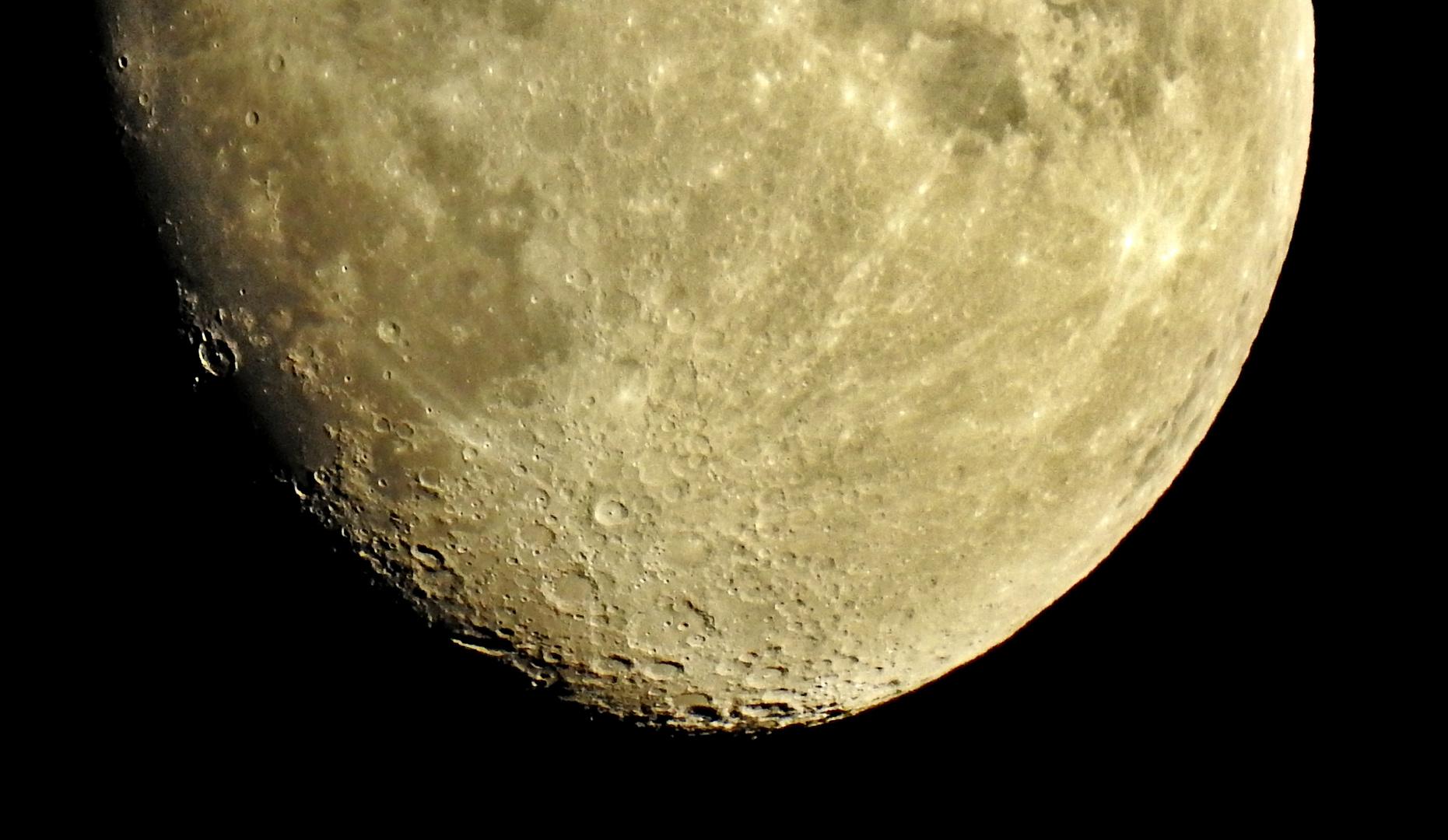 un pezzo di luna...