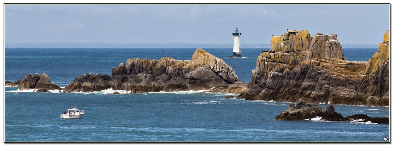 Un phare au large