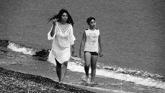 Un pomeriggio al mare con i piedi nell'acqua...