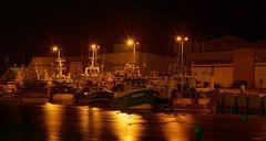 Un port la nuit.