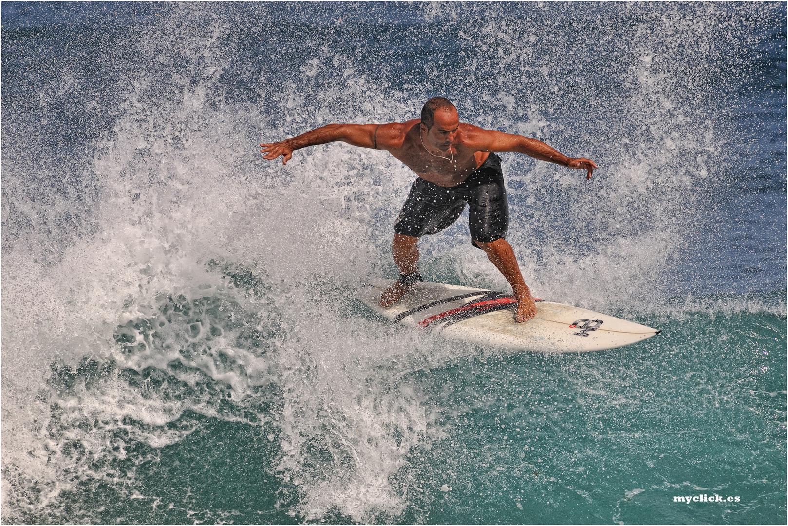 UN VETERANO SURFER LLORET-GRAN CANARIA