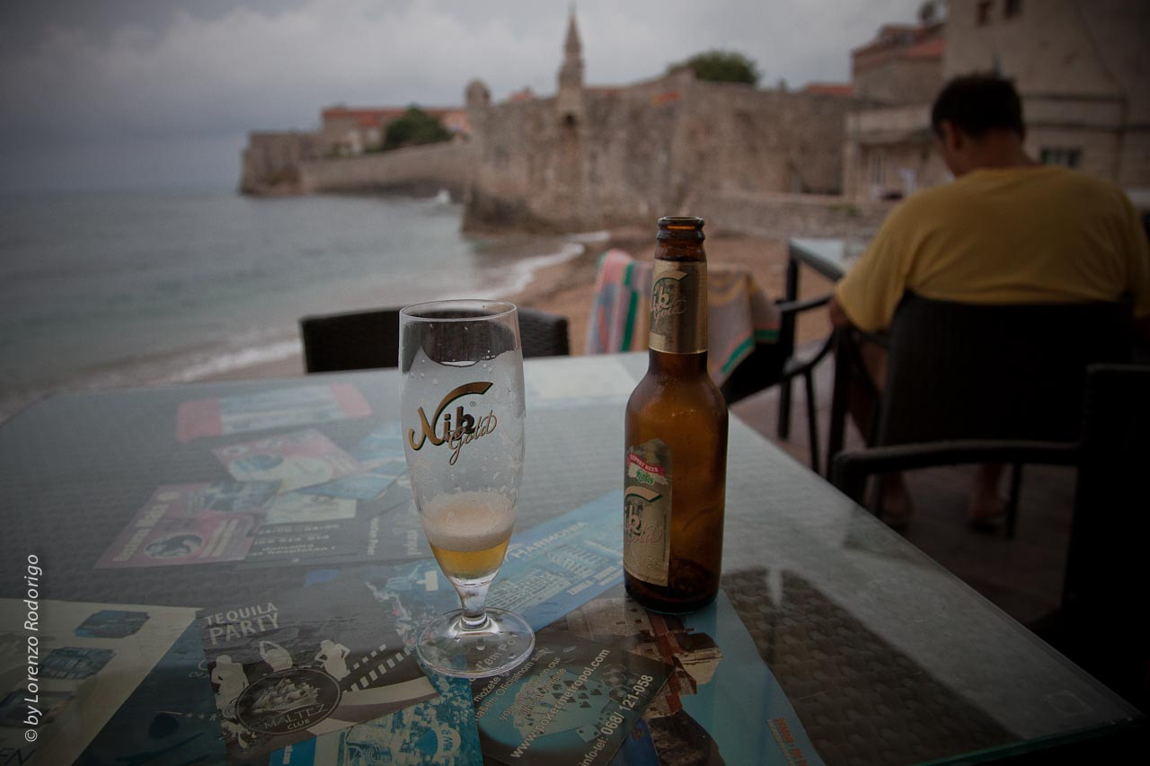Una birra al bar del porto