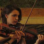 una brava violinista