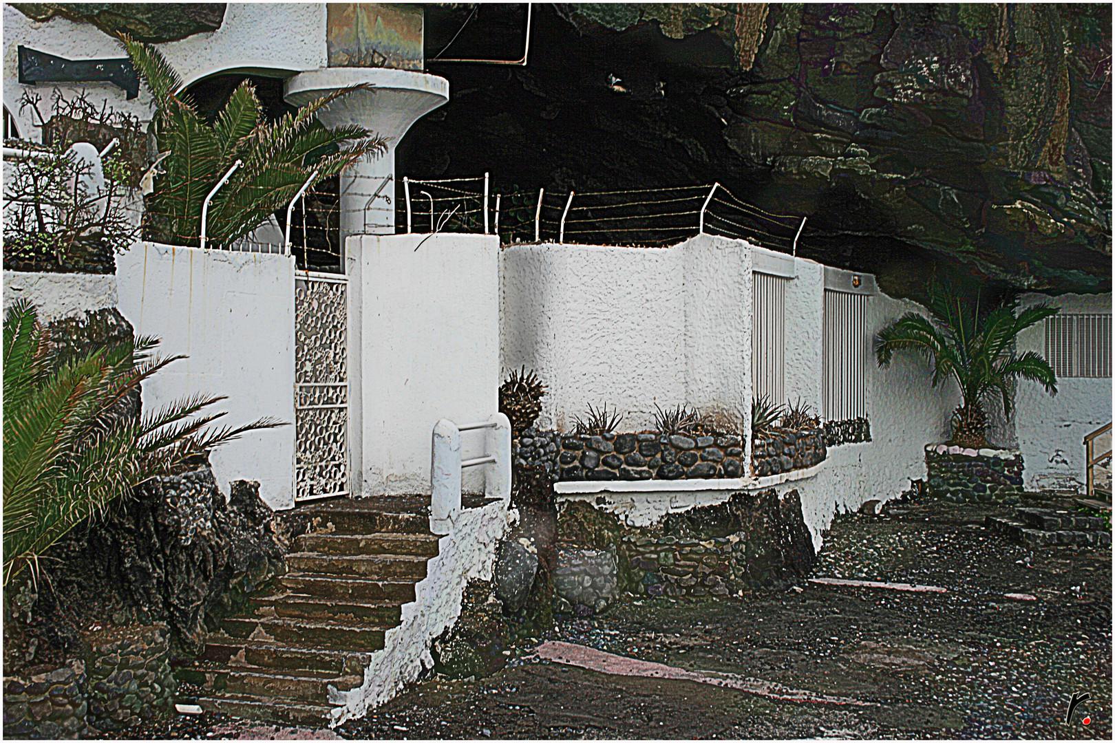 Una casa en la roca
