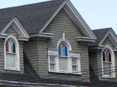 Una casa nel New Jersey (finestre colorate)
