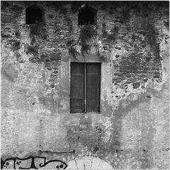 una de nuestras ventanas / eines unseres Fensters