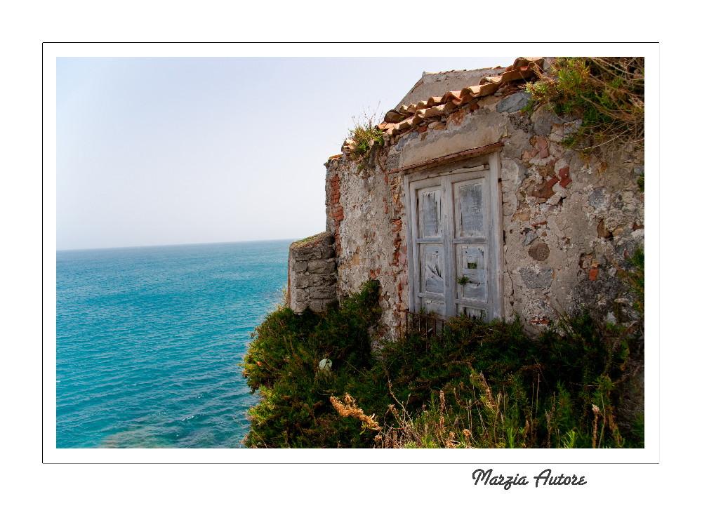 Una finestra sul mare di cefal foto immagini europe - Una finestra sul mare ...