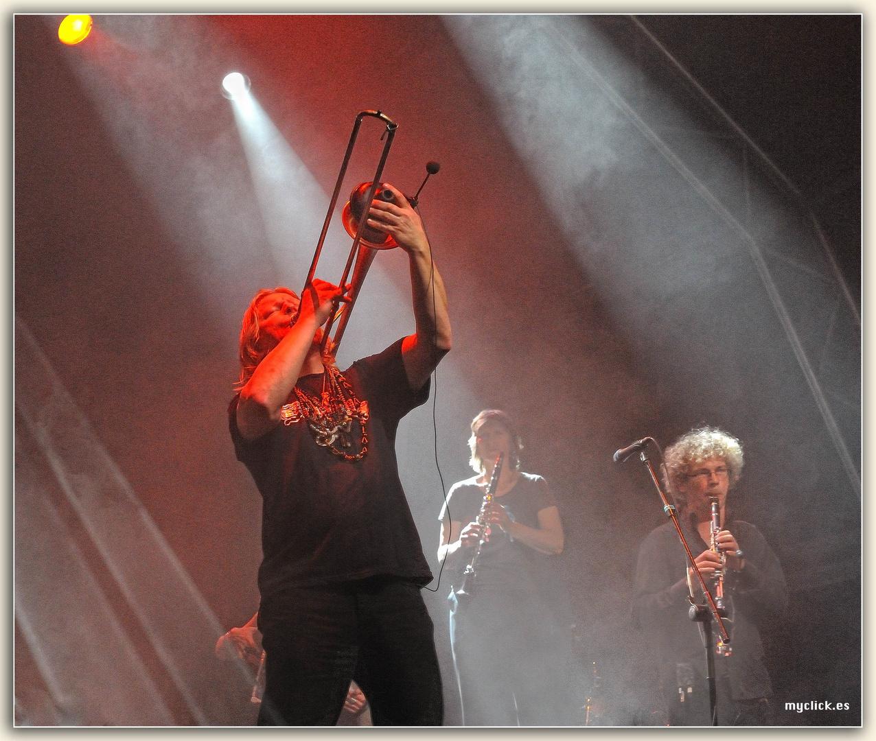 UNA NOCHE MAGICA 3-WOMAD 2011-LAS PALMAS DE G C