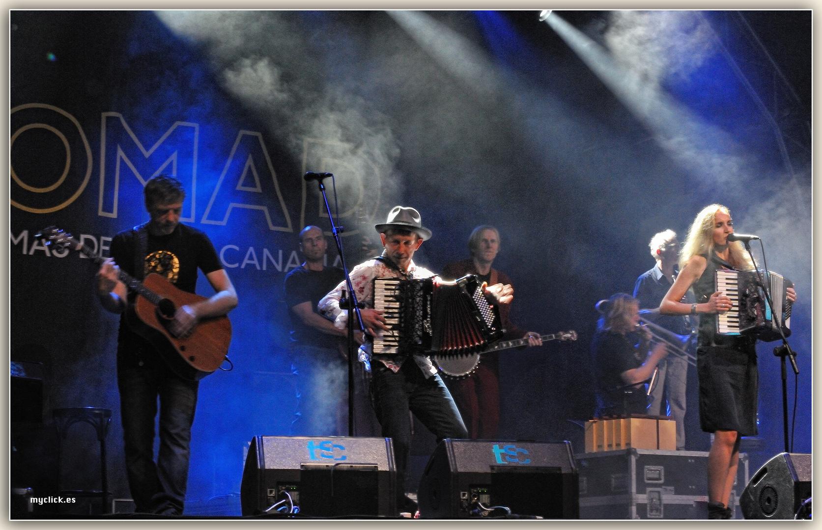 UNA NOCHE MAGICA-WOMAD 2011-LAS PALMAS DE G C