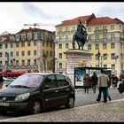 Una piazza alla vecchia Lisbona.
