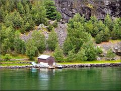 « Una piccola casa vicina al fiordo »