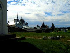 Una prima visione globale del monastero.. in controluce...
