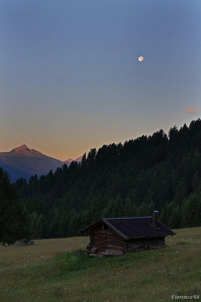 Un'alba in montagna....