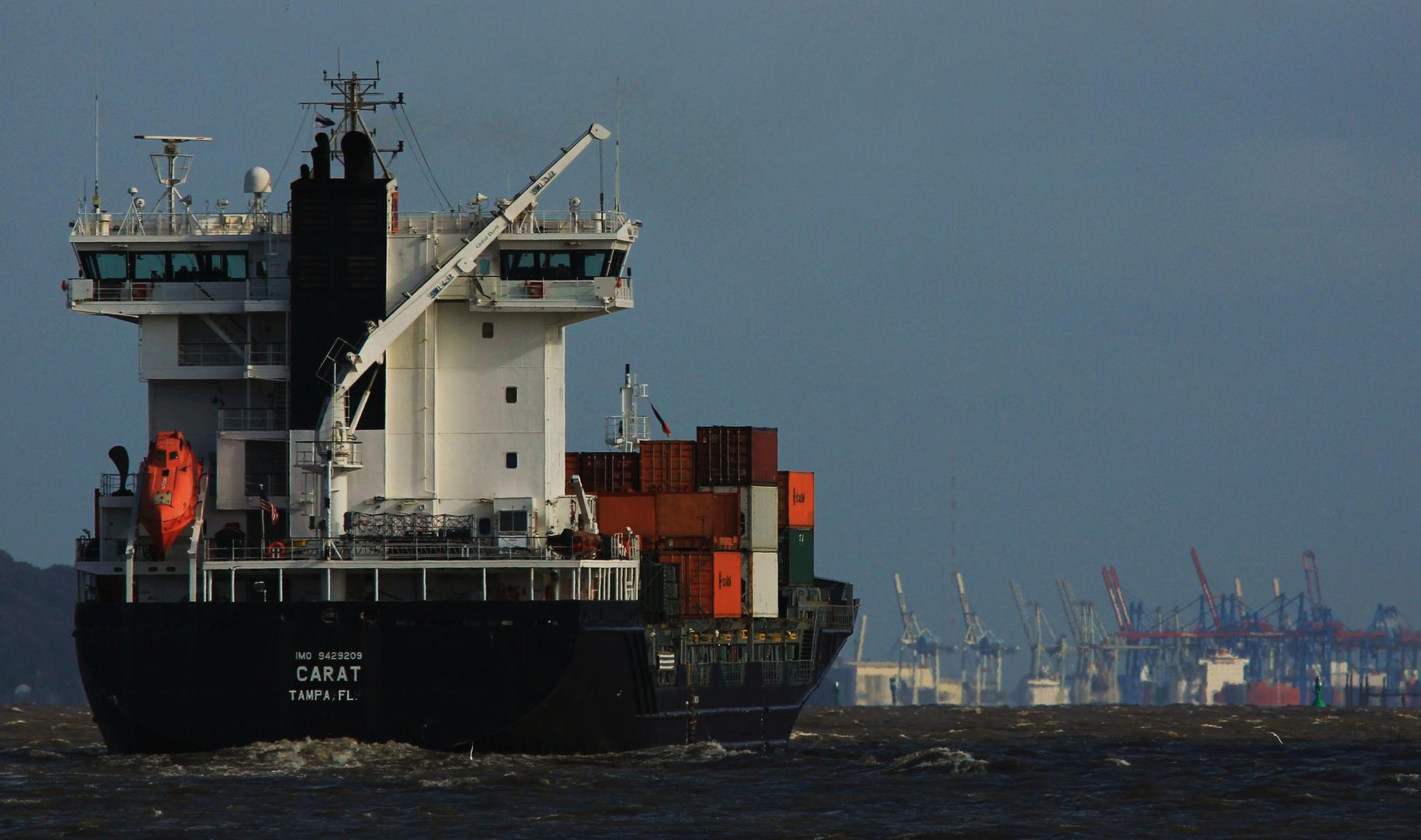 ... und den Hafen schon fest im Visier