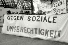 """""""und für soziale Gerechtigkeit"""""""