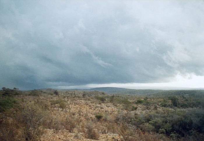 Und hier nähert sich ein Ausläufer eines grossen Unwetters...