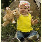 ...und hier zeig ich Euch noch meinen Kumpel den Teddybär !