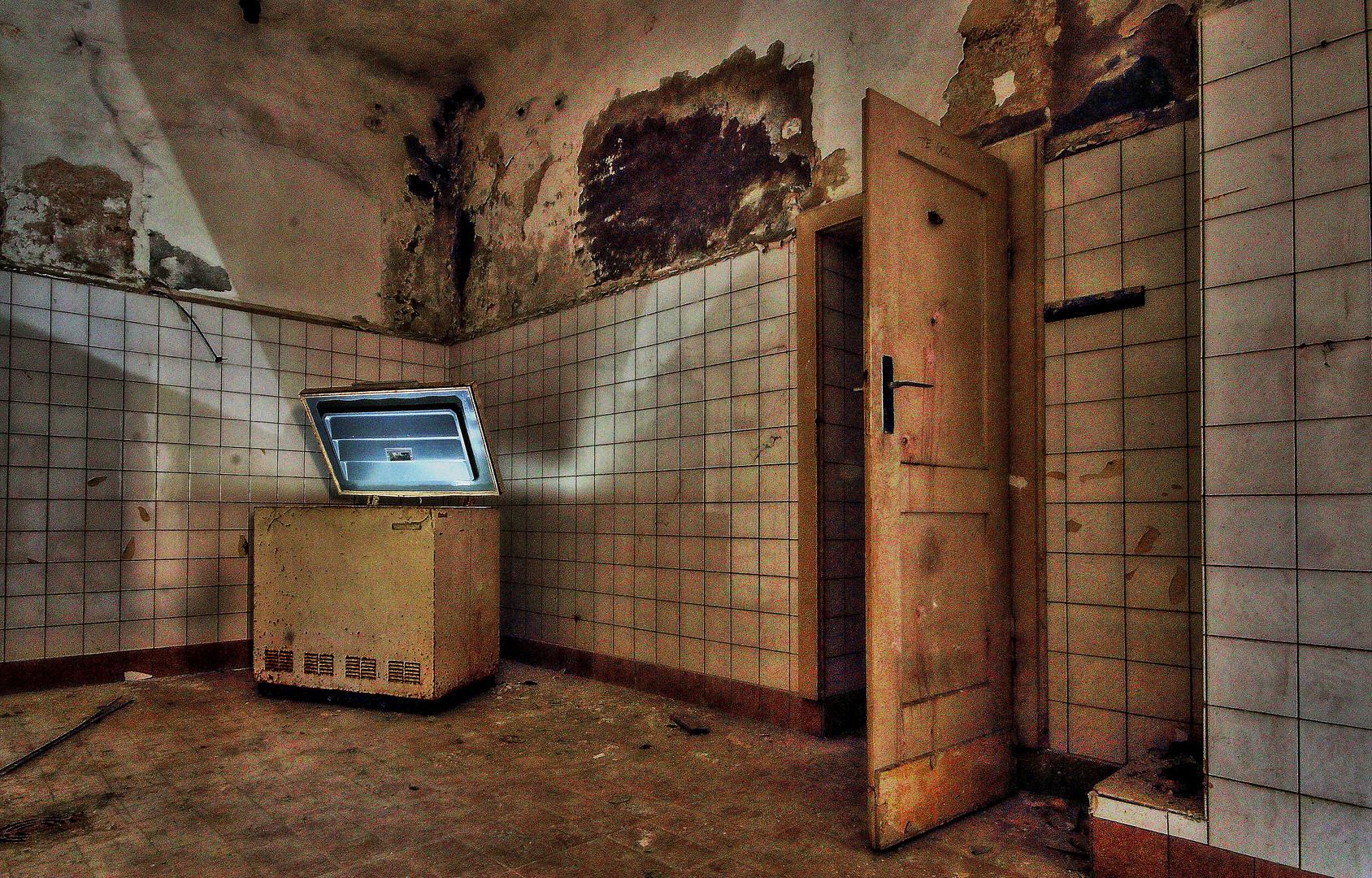 Kühlschrank Licht : Und im kühlschrank brennt noch das licht foto & bild architektur