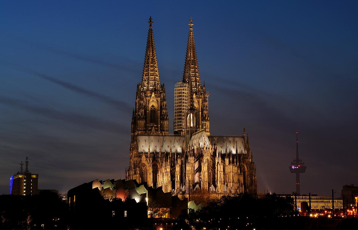 ...und noch ein Mal der hohe Dom zu Köln...