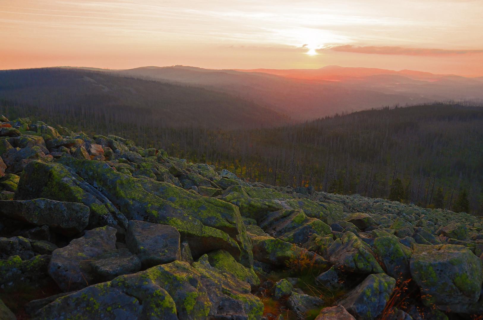 und nochmal: Sonnenaufgang auf dem Gipfel des Lusen, Bayerischer Wald