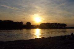 und wieder am Rhein
