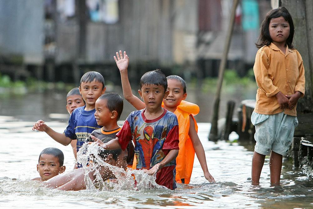 Und wir wuenschen euch einen guten rutsch aus indonesien