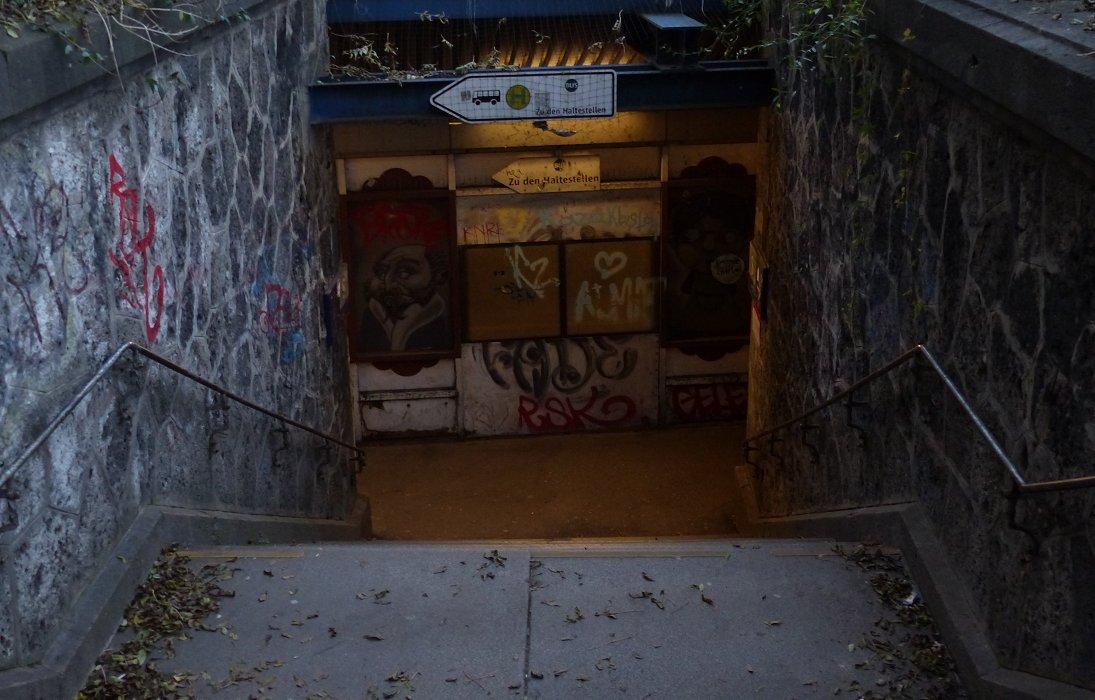 Underground-Gallery ... [Hades]