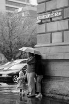 Une famille de chinois prisonière de la pluie