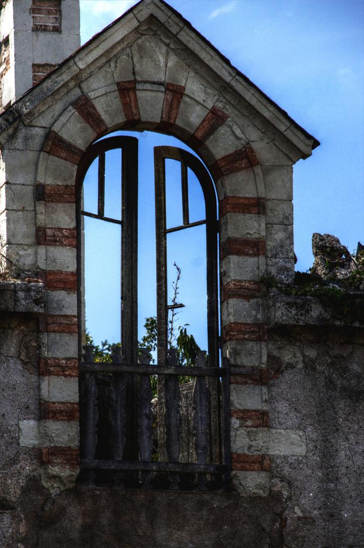 Une fenêtre dans le vide