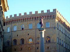 une lueur  du soir sur la justice, statue de 1565, semble un bon signe?