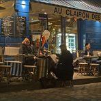 Une nuit à Paris - Place du Têrtre - die letzten Kunden