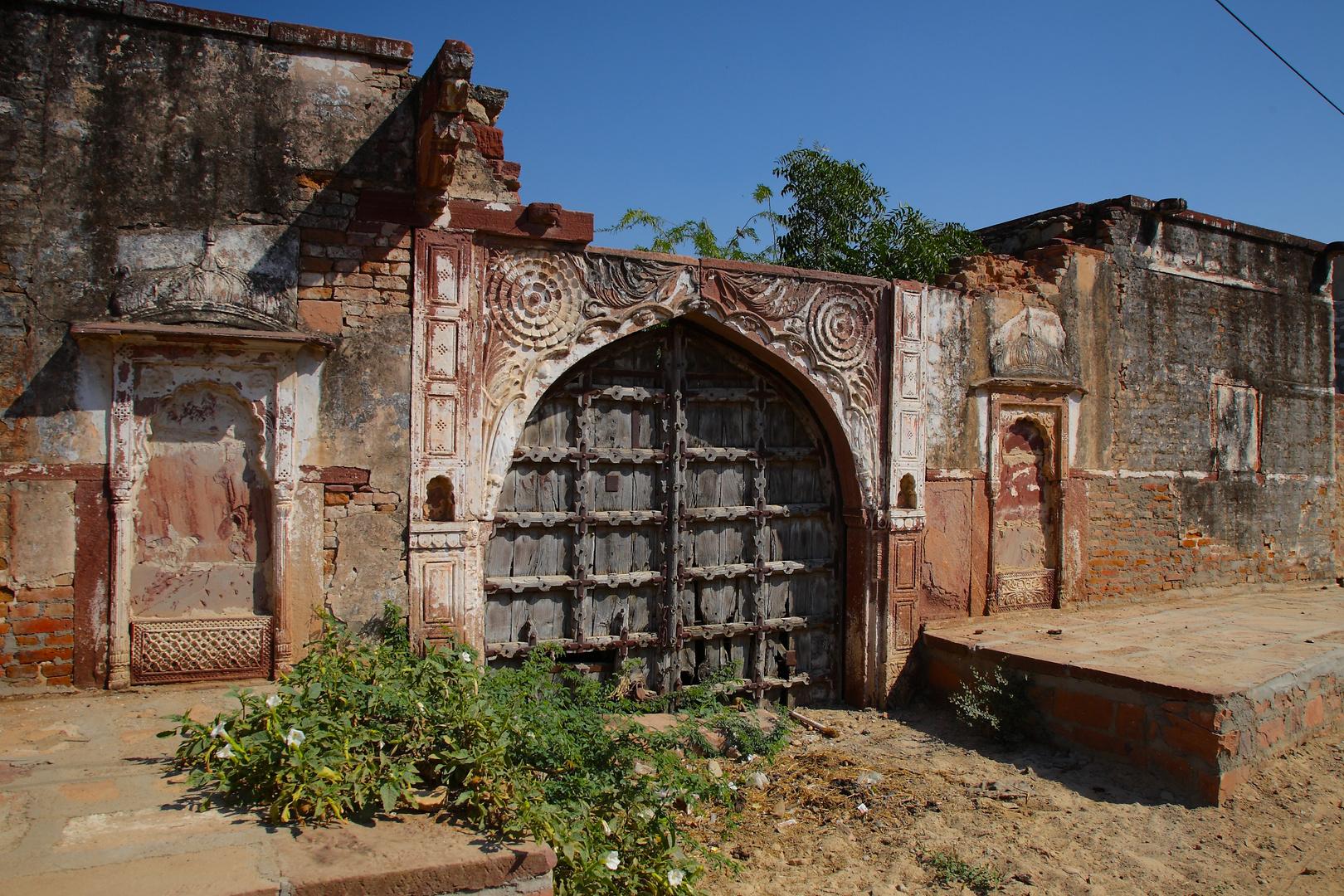 Une porte vers l'au-delà. Près de Jodhpur, Radjasthan.