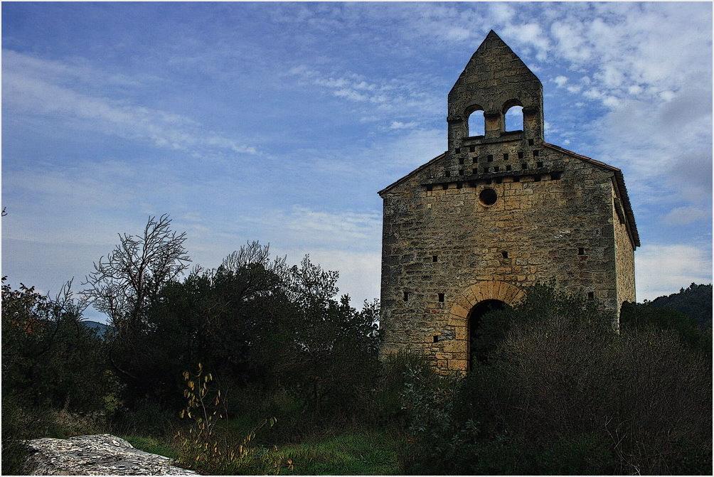 une vieille chapelle
