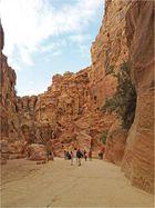 Une vue du Siq à Petra