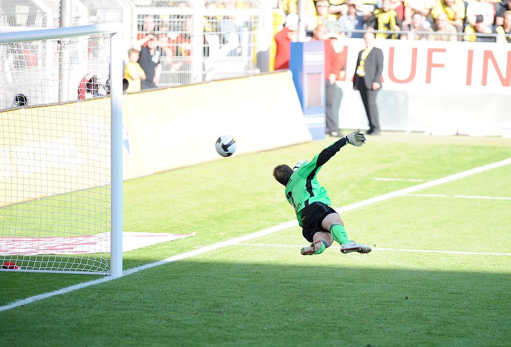 Unhaltbar für Lehmann. 1 : 0