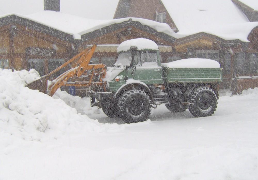 Unimog im Schnee