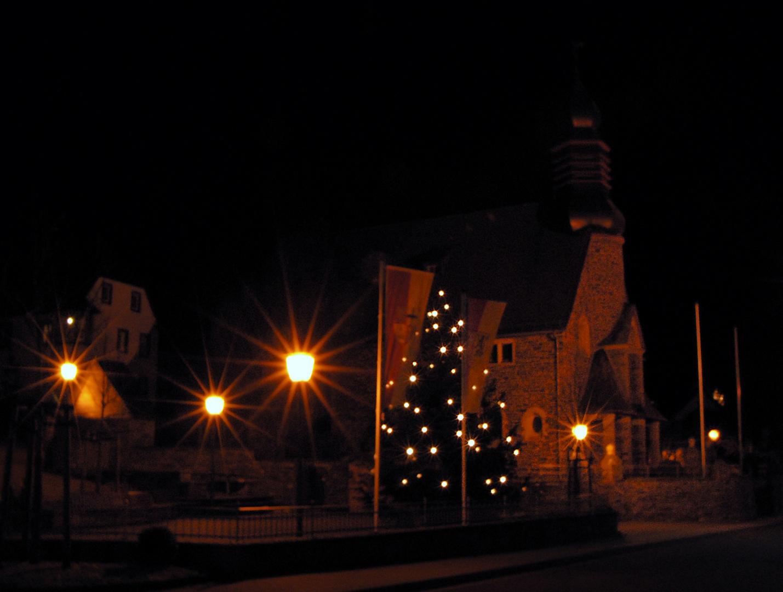 Unser Dorfplatz in Ramersbach, in vorweihnachtlicher Stimmung!