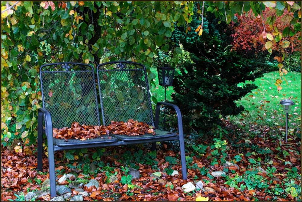 Unser Garten-Bankerl...