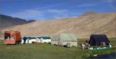 unser zelt-camp in puga