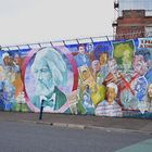 Unsere Irland-Rundreise: Belfast - Grafiti diverser Freiheitskämpfer verschiedener Epochen