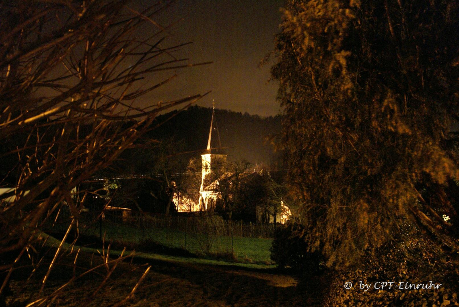 Unsere Kirche bei Nacht........